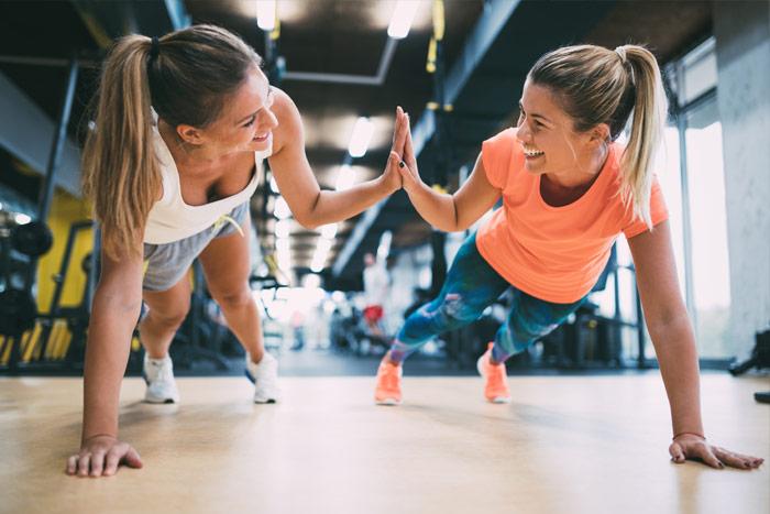 Trenuj ze znajomymi i mobilizujcie się do osiągania wspólnych celów treningowych.
